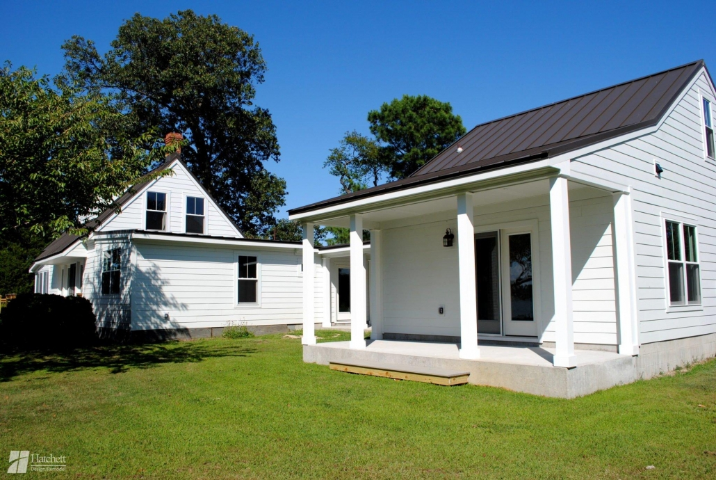 Vacation Home James Hardie Siding in Artic White