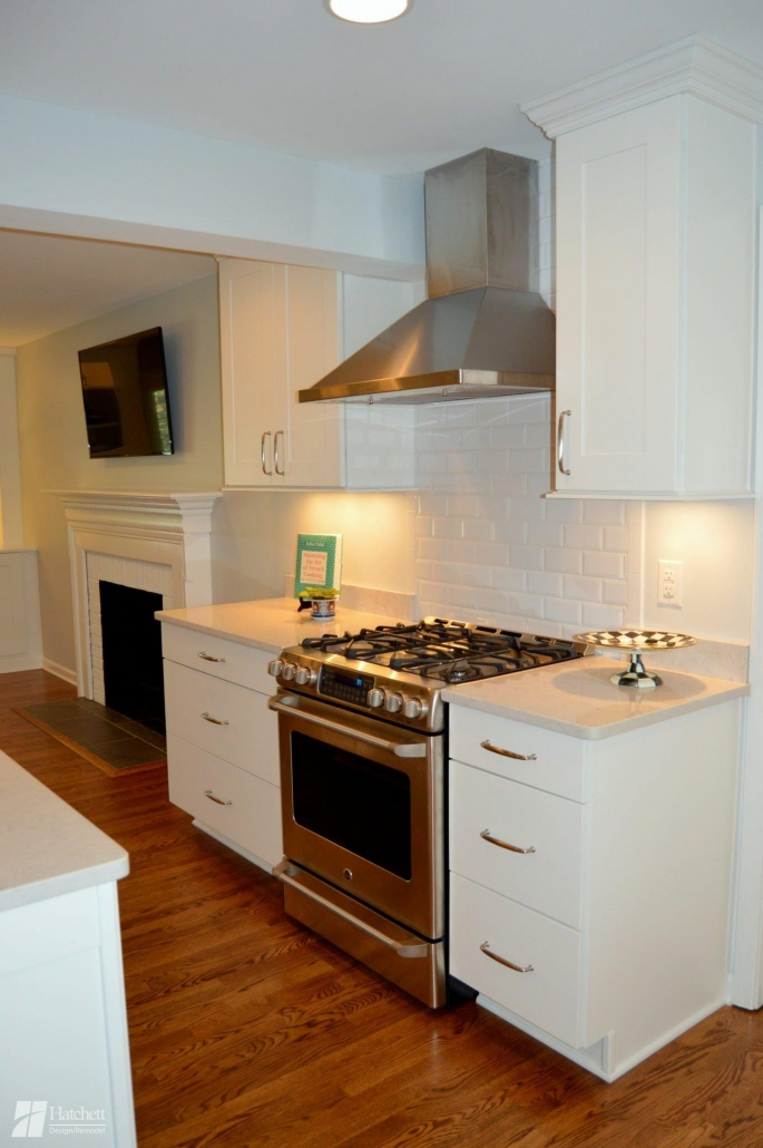 Kitchen Remodel Thermador Range and Hood with White Subway Tile Backsplash