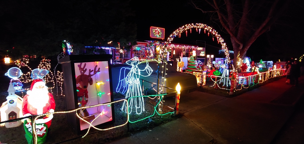 Home Holiday Light Display Hampton